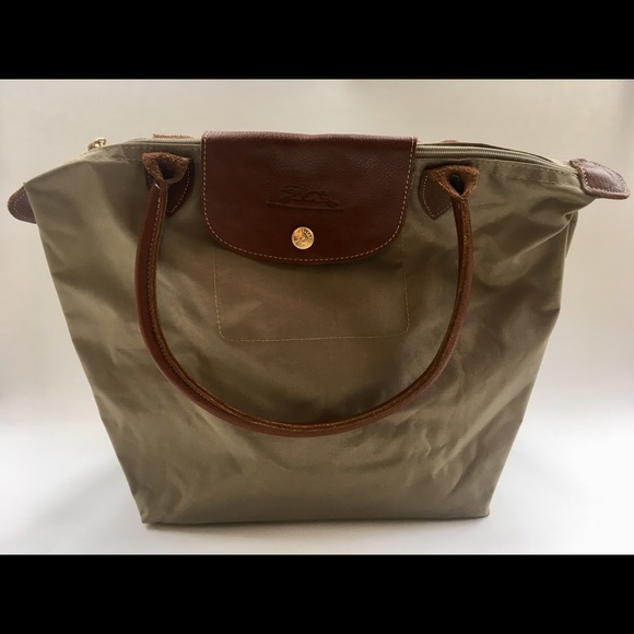 Longchamp Handbags - Vintage Longchamp Le Pliage Bag ae8bbf8cb8124